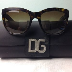 DOLCE & GABBANA - sunglasses and case